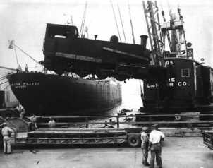 lady-edith being off loaded from boat